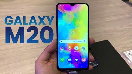 Samsung Galaxy M20 với thiết kế màn hình tràn viền