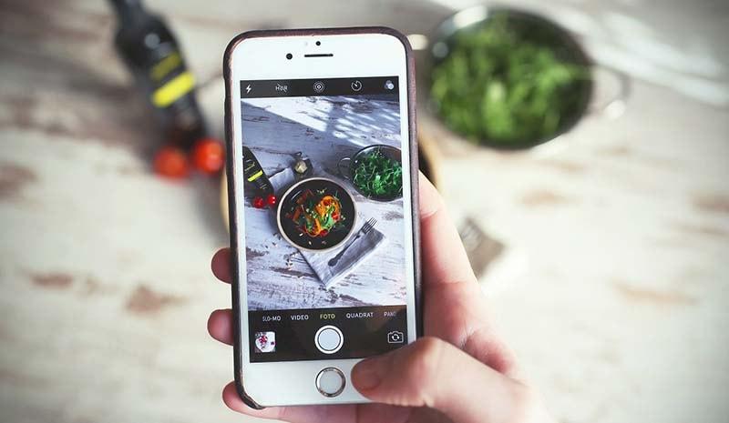Mẹo đơn giản chụp ảnh đồ ăn bằng điện thoại