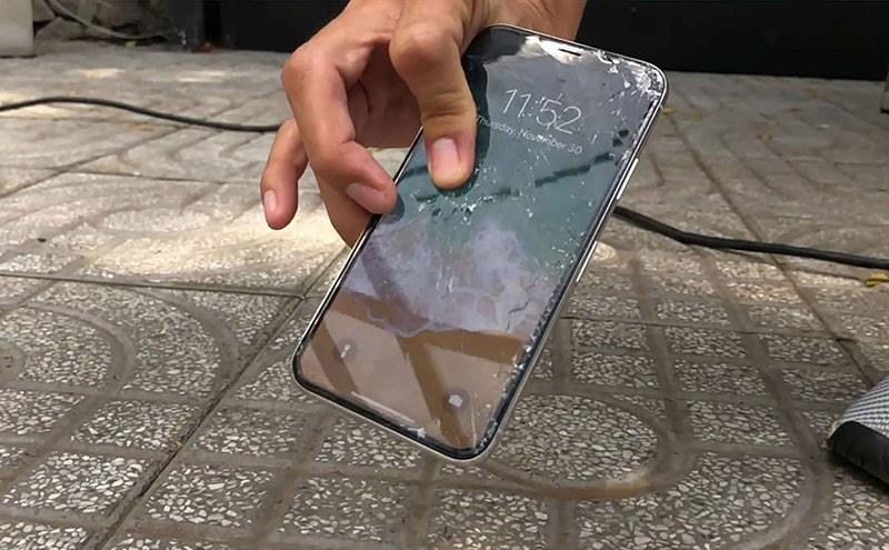 Màn hình điện thoại dễ gặp sự cố trong quá trình sử dụng