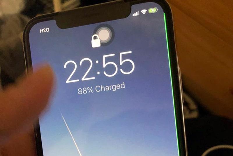 Màn hình Iphone XS Max có những vệt đốm